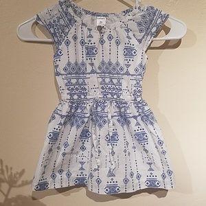 Size2/3 Toddler bundle summer dress and shorts